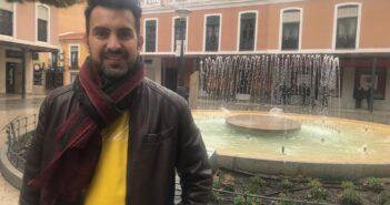 MANUEL MOLINA: Soy escritor emocional, me mueven más los sentimientos…